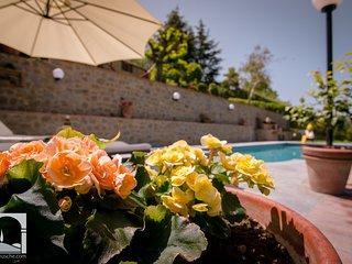 Silvana Garden traditional Villa walk to Cortona