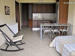 Voula Kourbeti Apartments Ag.Nikolaos Sithonia-2, Agios Nikolaos