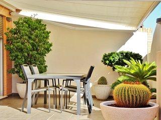 Ático de Diseño con Garaje privado y Barbacoa, Valencia