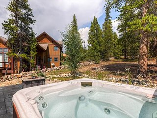 Firelight Luxury in Breckenridge with Stunning Mountain Views