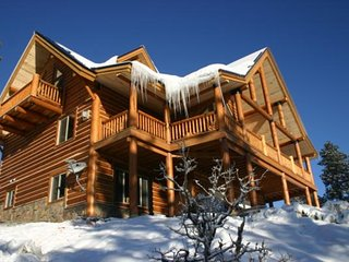 Vacation Rentals Breathtaking New Mountain Log Home, Shawnee