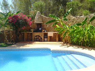 A charming exclusive apartment with private pool and garden in La Palmera villa