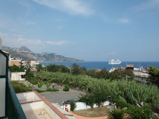 appartamento glass 500, Giardini Naxos