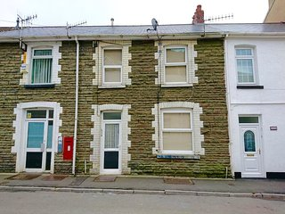 Ideal House for Contractors Nr M4, Port Talbot