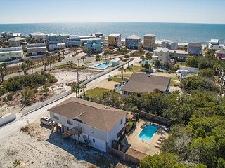Cute Beach Home with short walk to the beach!, Cape San Blas