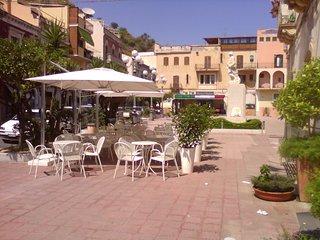 piazza centrale della citta'