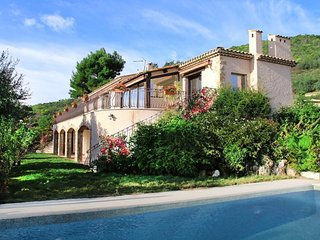 BEST Price - Amazing Panorama, Big Pool, 6 Bedrooms,15 min Cannes, max 18 Person