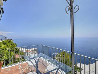 Positano Holiday Home Sleeps 5 with Air Con and WiFi - 5228743