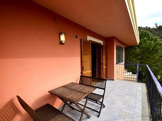 Milazzo Villa Sleeps 3 with Air Con - 5229467