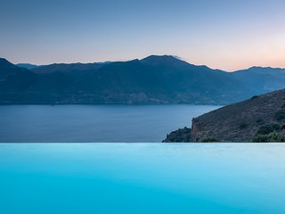 """Mani house-Ktima Kriviana"" Luxury villa private infinity pool/mesmerizing view, Gytheio"