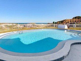Ocean Eight 101, 2 Bedrooms, Ocean Front, Pool, WiFi, Sleeps 6, Saint Augustine