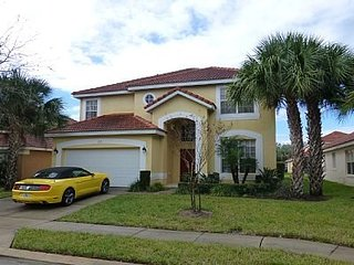 Enjoy spacious living and 5 bedrooms in this beautiful Aviana Resort Orlando pool home., Davenport