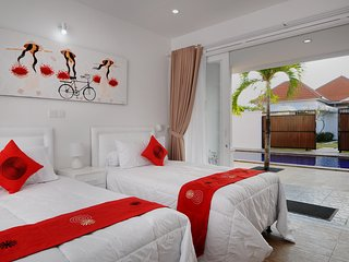 Opening Price: Apt Kuning :1 bed with shared pool, Sanur