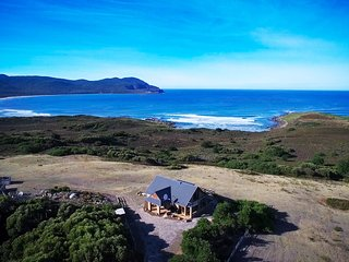 Cloudy Bay Villa - Panoramic Views of Cloudy Bay, Bruny Island