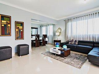 Modern Luxurious Penthouse W/ Cable & WIFI !!!!, Santiago de los Caballeros