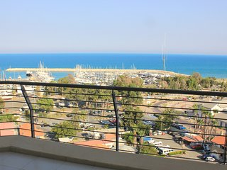 3b Luxury Seaview apartment - Finikoudes Beach