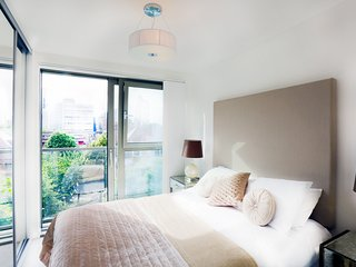 Central London Duplex (Sleeps 8)