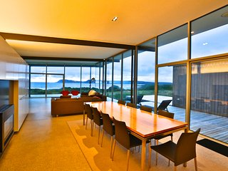 Bruny Island - Cloudy bay Beach House