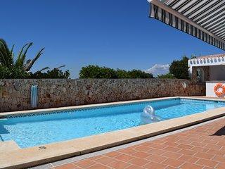 Luxuriöse Villa, Salzwasserpool, sehr ruhige Lage, Mahon