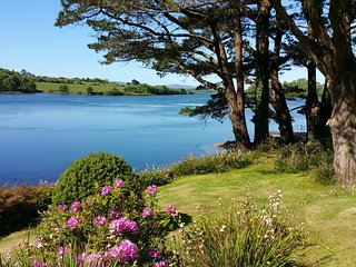 Westerly House on shores of Bantry Bay (sleeps 12)