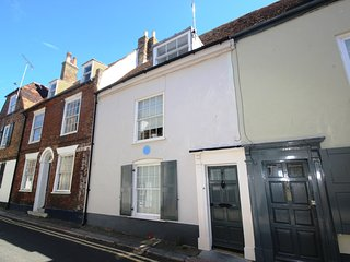Superb 3 bedroom family holiday home sleeping 6, Deal