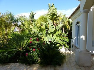 LUXURY 4 BEDROOM, POOL VARRANDAS DO LAGO ALGARVE