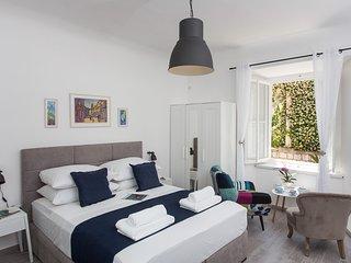 Apartment Mansion Center- Studio Apartment