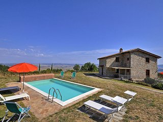 Villa Campiglia with private swimming pool, Campiglia d'Orcia