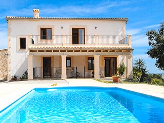 Country house with private pool and stunning views, Vilafranca de Bonany