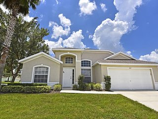 4 Br 3 ba vacation home with pool in Hampton Lakes, Davenport