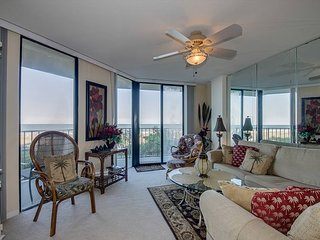 Beautifully Decorated and Well Kept oceanfront condo