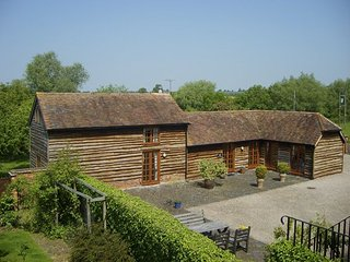 The Old Stables, 17th c. detached Barn Conversion, Worcester