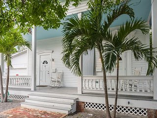 Mary's Backyard Too - Tastefully Decorated Home In Perfect Location!, Key West