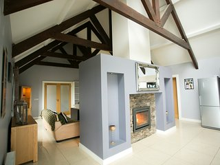 Modern Cosy Cottage for Short Term Rental, Lisdoonvarna