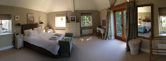 Main bedroom plus ensuite and balcony