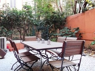Warm welcoming, cosy and not far from Palais, Cannes