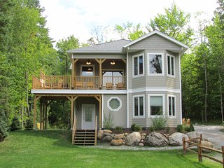 Adirondacks/Whiteface Vacation Rental ~ Mountain Views, Hot Tub, Gas Fireplace!