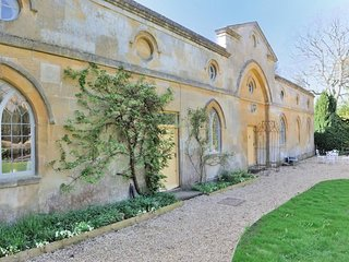 Artisan Hall is a truly unique Cotswold stone property in Toddington