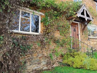 Bridge Hill Cottage is a picture-postcard Cotswold-stone house, Hook Norton
