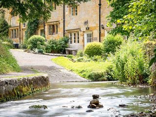 Brook Cottage is one of the most idyllically situated cottages in the Cotswolds