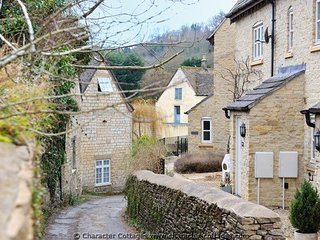 Maltings is a terraced Cotswold stone cottage