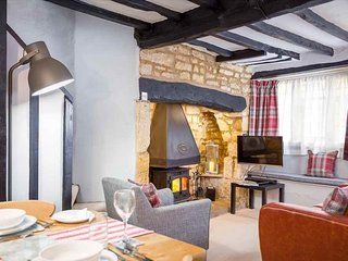 Millers Cottage is a Grade II listed, traditional Cotswold stone cottage, Chipping Campden