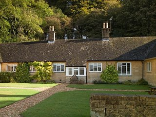 Oak Cottage is a beautiful Cotswold stone property, which dates back to 1820