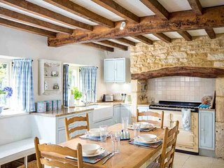 Rambling Rose Cottage is a beautiful holiday cottage, tucked away in the village