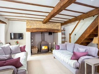 Spring Cottage is a beautiful Cotswold stone property, located on a quiet lane