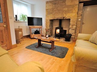 Steps Cottage is a beautiful, end of terrace cottage and Cotswold stone annexe