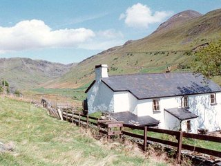 Croesor Bach is a traditional, detached farmhouse, at the top of the valley, Llanfrothen