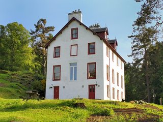 Bunrannoch House is a large, grade C listed Victorian hunting lodge