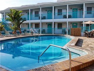 Five Palms Suite #102 - Daily - Weekly - Monthly, Clearwater