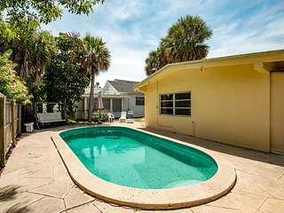 Beachside Villa - Weekly Beach Rental, Clearwater